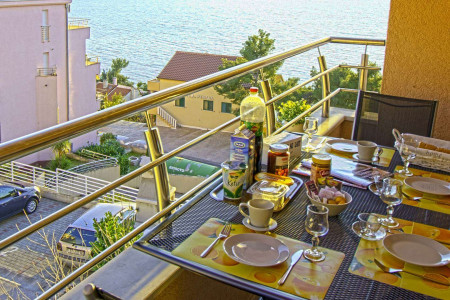 mala-apartment-trogir-4pax