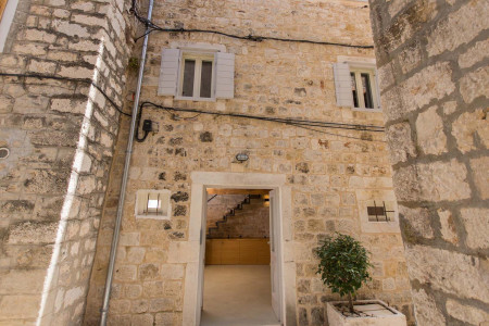 townhouse-sepia-trogir-center-6pax
