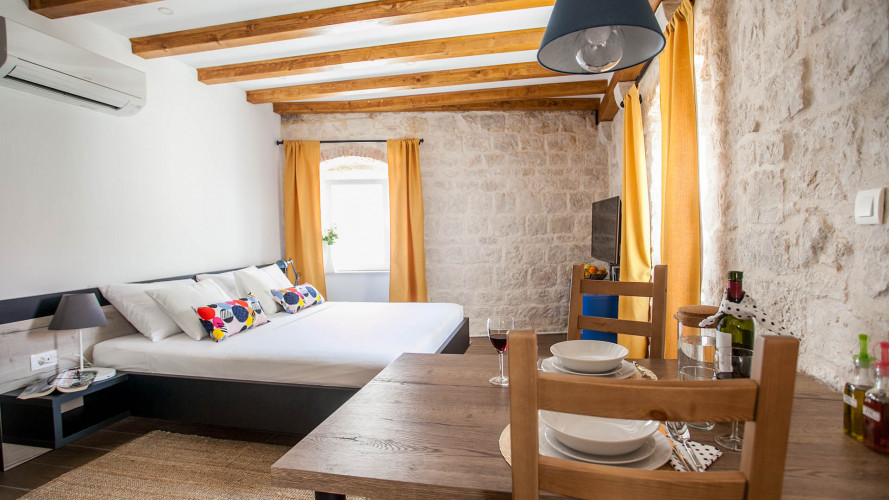 studio-lucia-trogir-center-2pax