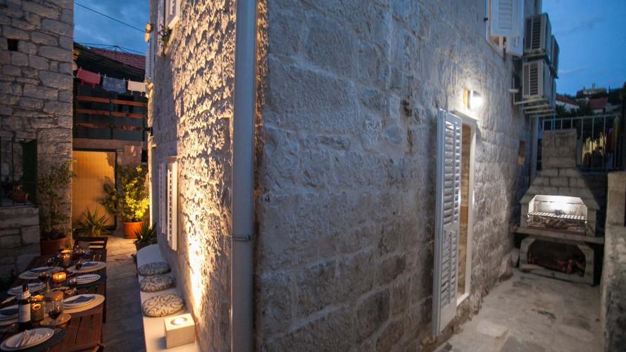 townhouse-lucia-trogir-center-8pax
