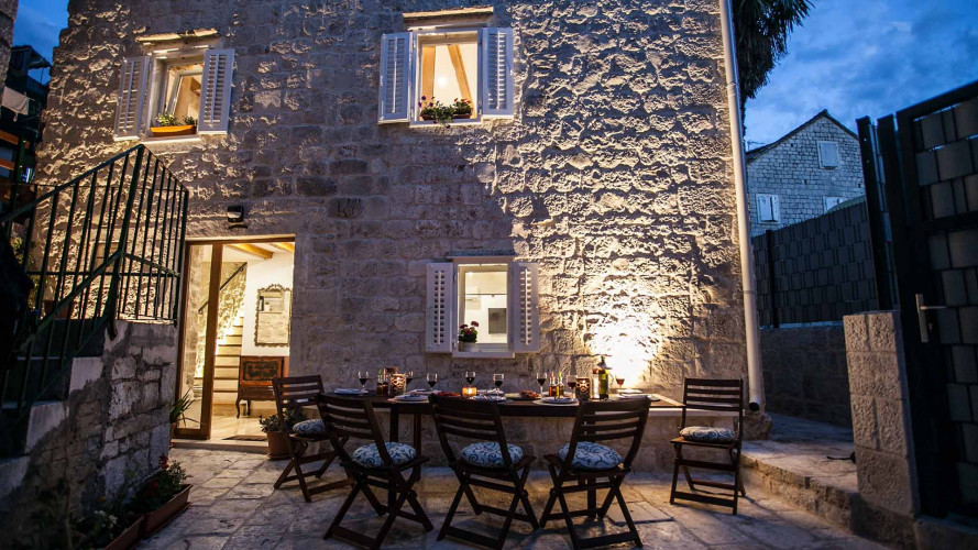 townhouse-lucia-trogir-center-8pax