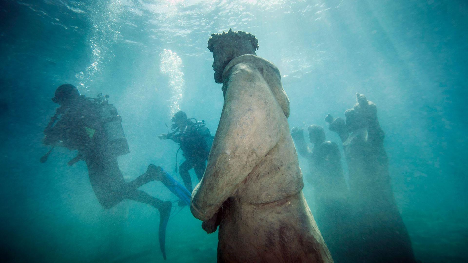 Underwater museum diving snorkelling trogir
