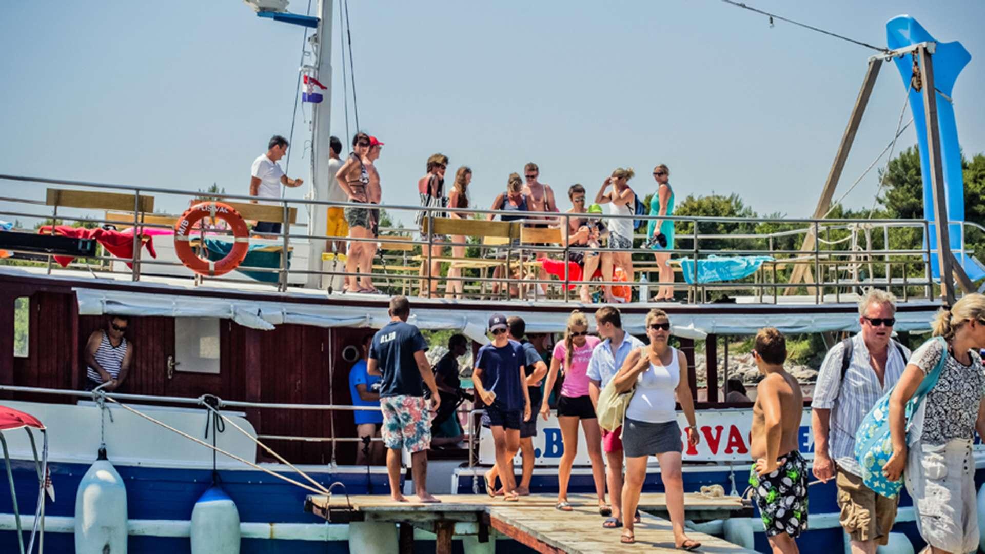 three island tour trogir blue lagoon 2