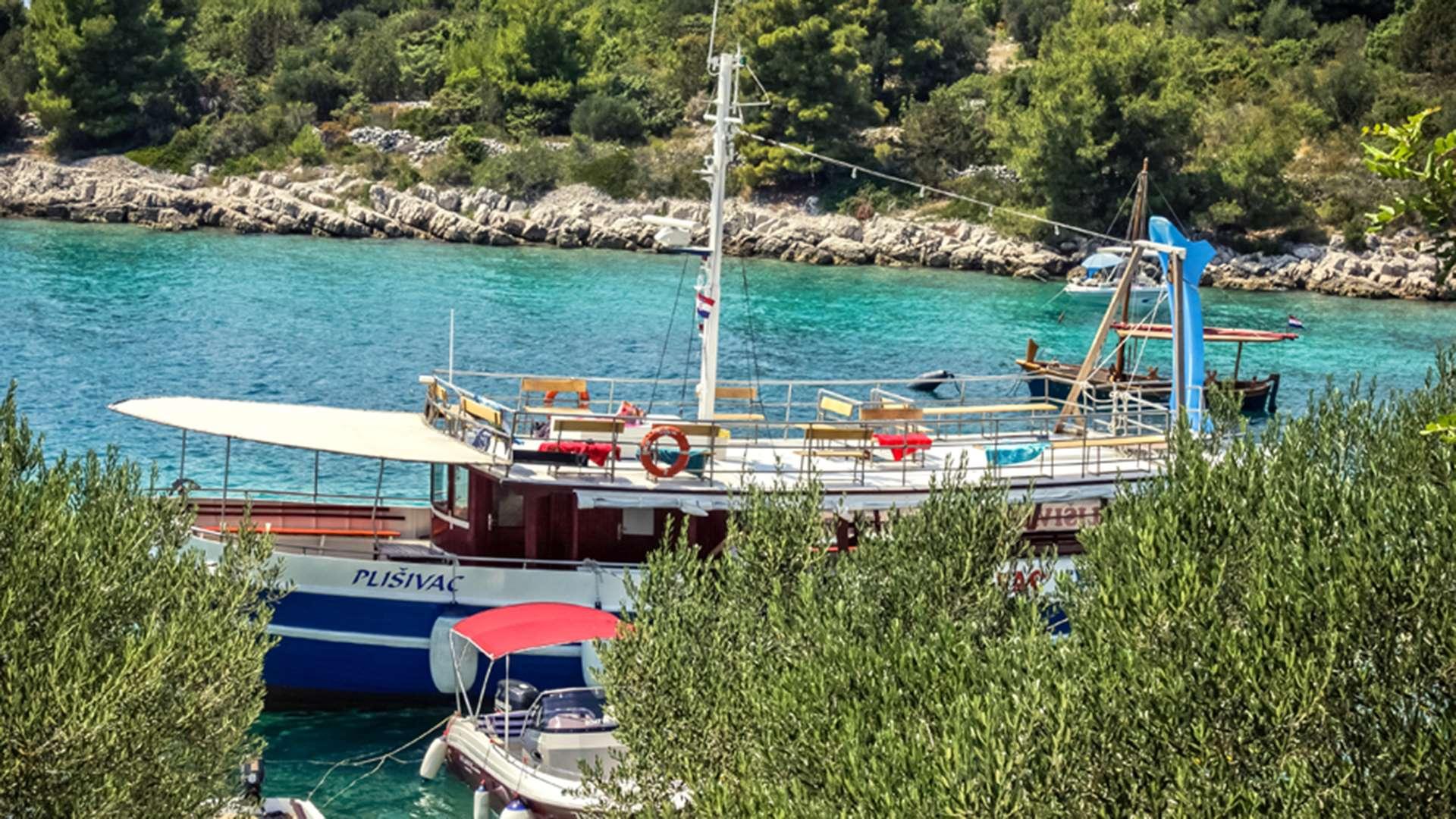 three island tour trogir blue lagoon 4