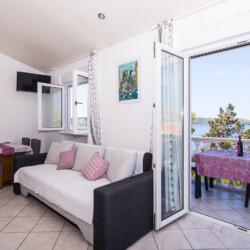 apartment for 4 lovric okrug gornji 5