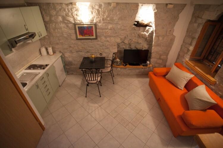 guesthouse ana duplex trogir 4pax 16