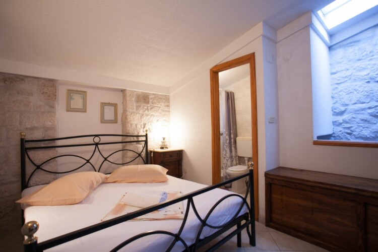 guesthouse ana duplex trogir 4pax 17