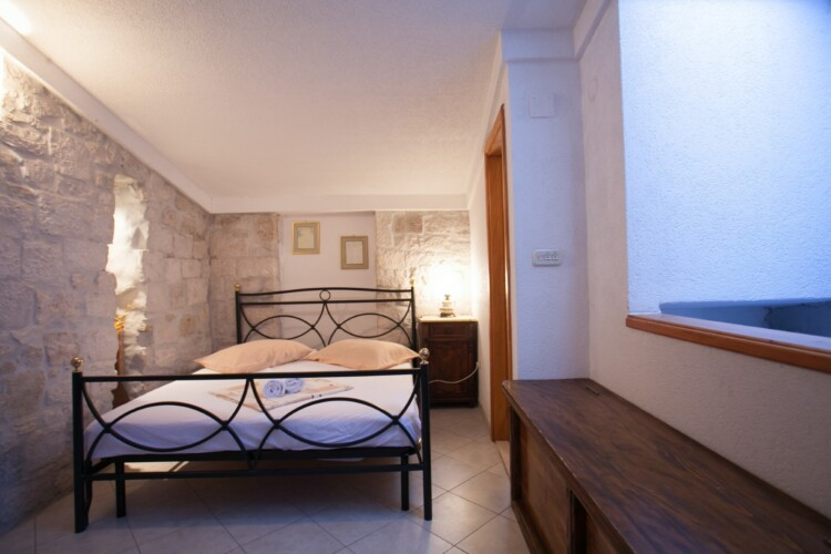 guesthouse ana duplex trogir 4pax 18