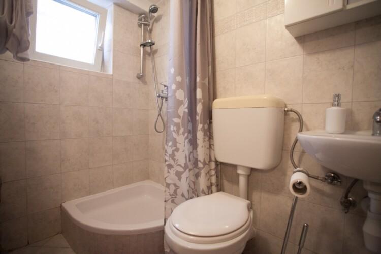 guesthouse ana duplex trogir 4pax 2