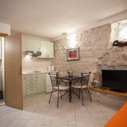 guesthouse ana duplex trogir 4pax 7