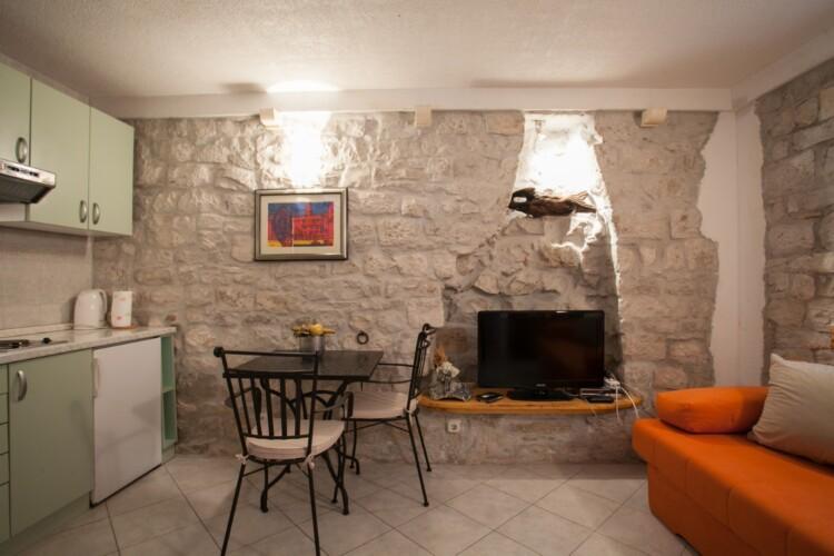 guesthouse ana duplex trogir 4pax 9