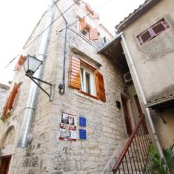 ivanka apartment oldtowntrogir 4pax 15